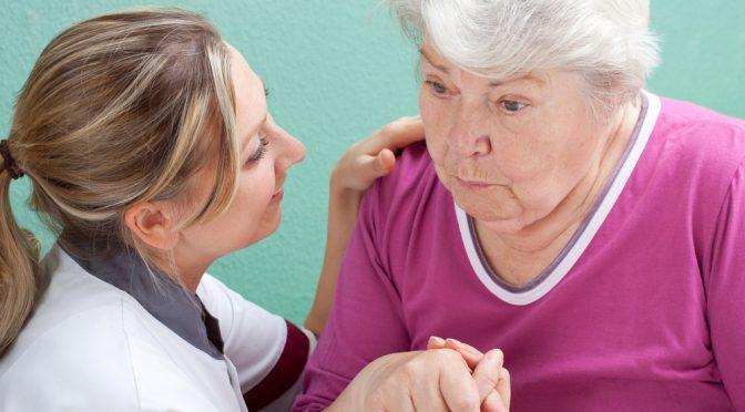 Um terço dos casos de demência pode ser prevenível com modificações de estilo de vida