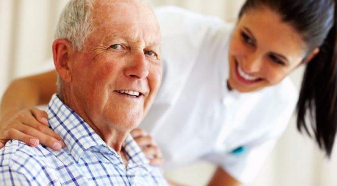 Cuidador de idosos, a profissão que mais cresce no Brasil!