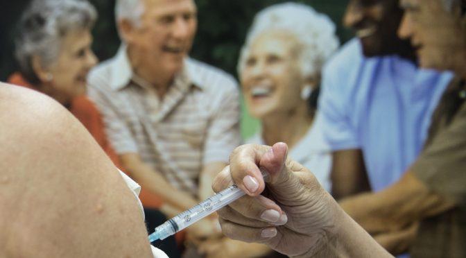 1 milhão de idosos ainda precisa se vacinar contra gripe em SP