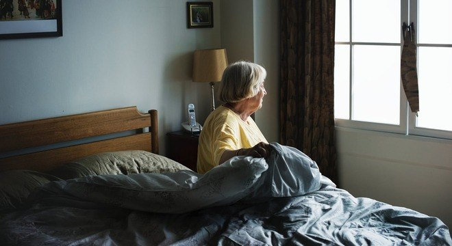 Mudanças simples na casa previnem acidentes e facilitam vida de idosos