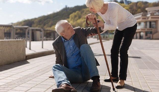 Alerta: idosos requerem atenção especial para evitar quedas