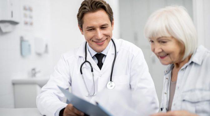 Brasil tem apenas 6% dos geriatras necessários para atender idosos
