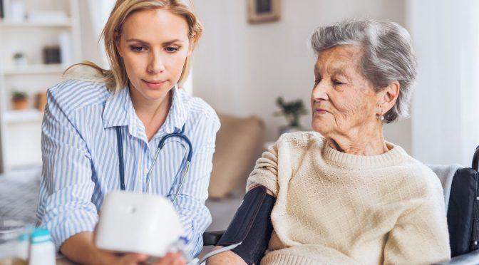 Cuidar do coração dos mais velhos é um ato de amor e responsabilidade