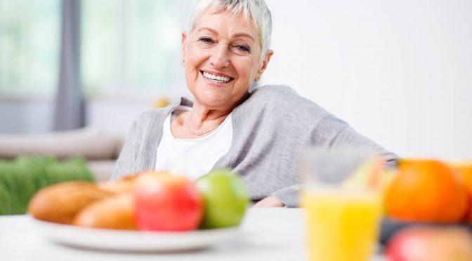 Saiba quais são os alimentos essenciais para reforçar a imunidade dos idosos